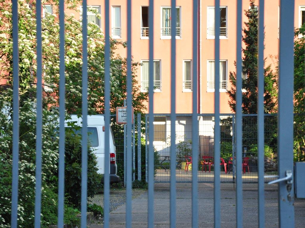 Pandemie, Tor Pflegeheim