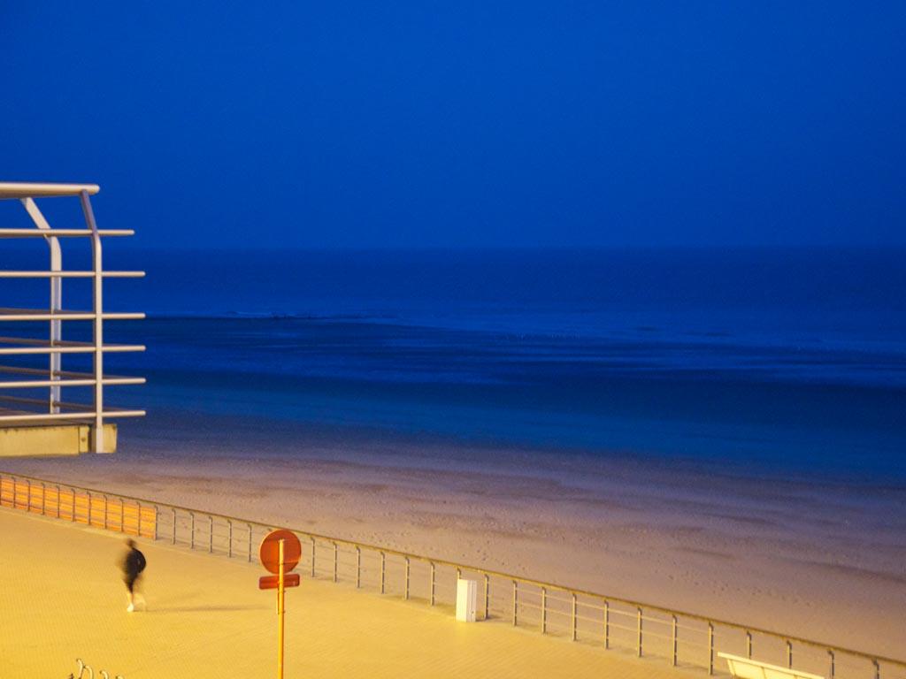 Landschaft Oostende Blaue Stunde